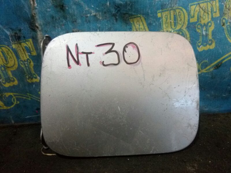 Лючок бензобака Nissan Xtrail NT30 QR20