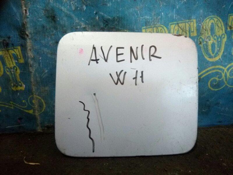 Лючок бензобака Nissan Avenir W11