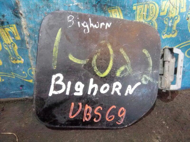 Лючок бензобака Isuzu Bighorn UBS69