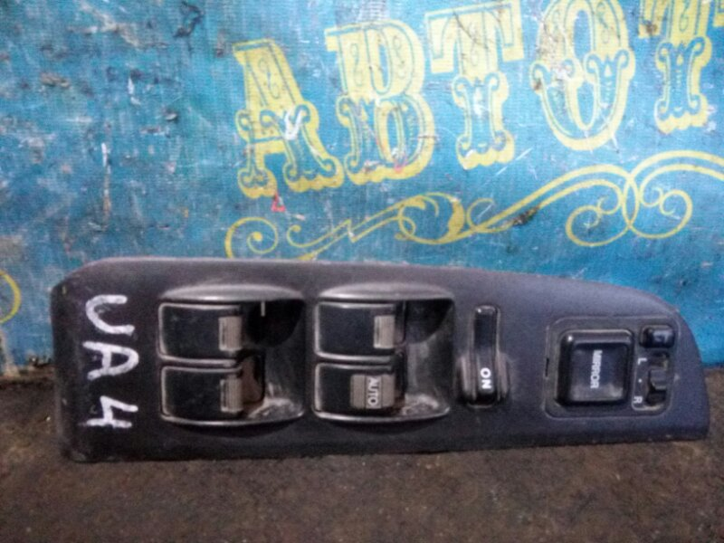 Блок упр. стеклоподьемниками Honda Inspire UA4 передний правый