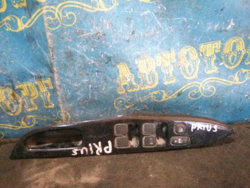 Блок упр. стеклоподьемниками Toyota Prius NHW11 передний правый