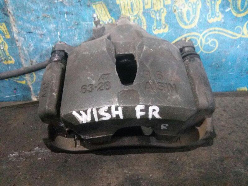 Суппорт Toyota Wish ZNE10 передний правый