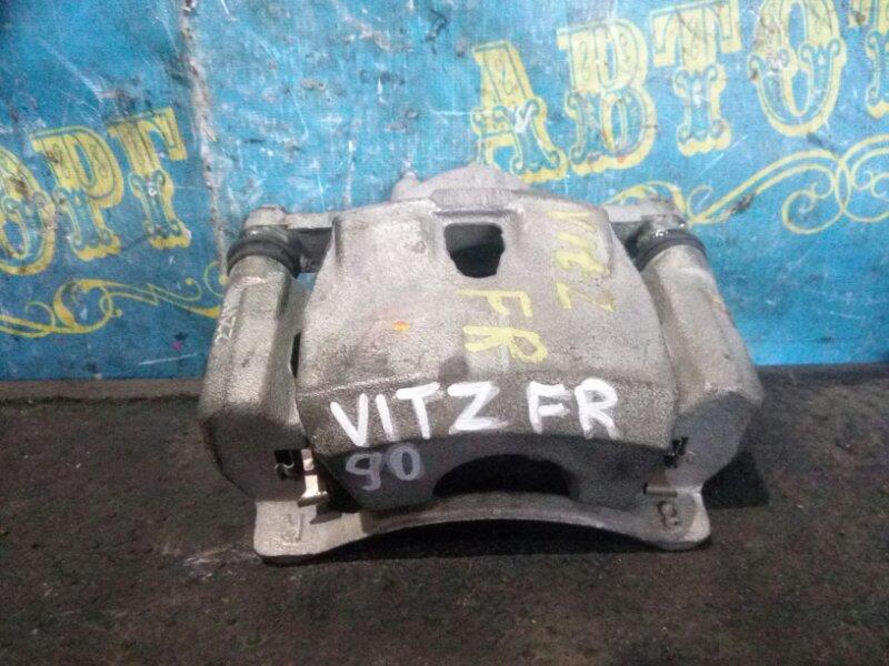 Суппорт Toyota Vitz SCP90 передний правый