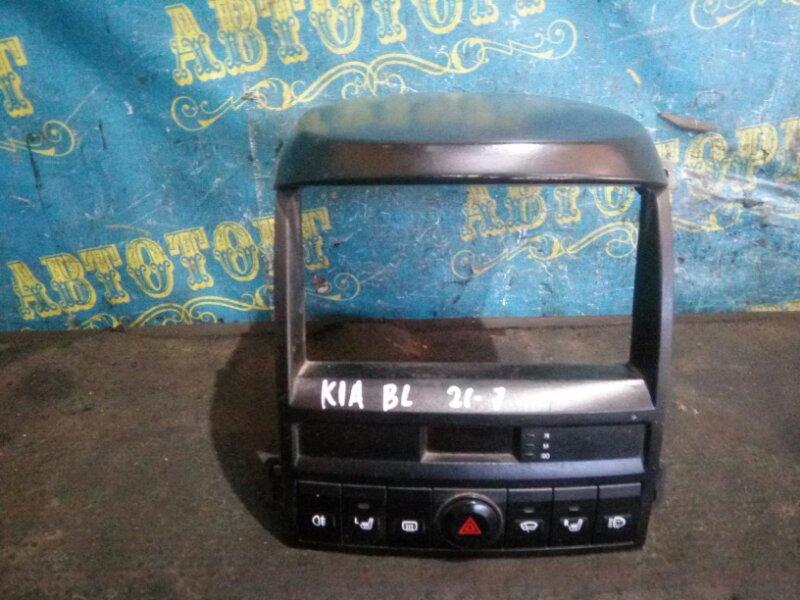 Консоль с часами Kia Sorento BL D4CB 2003