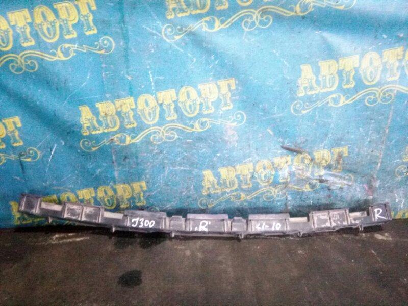 Крепление бампера Chevrolet Cruze J300 F18D4 2010 заднее