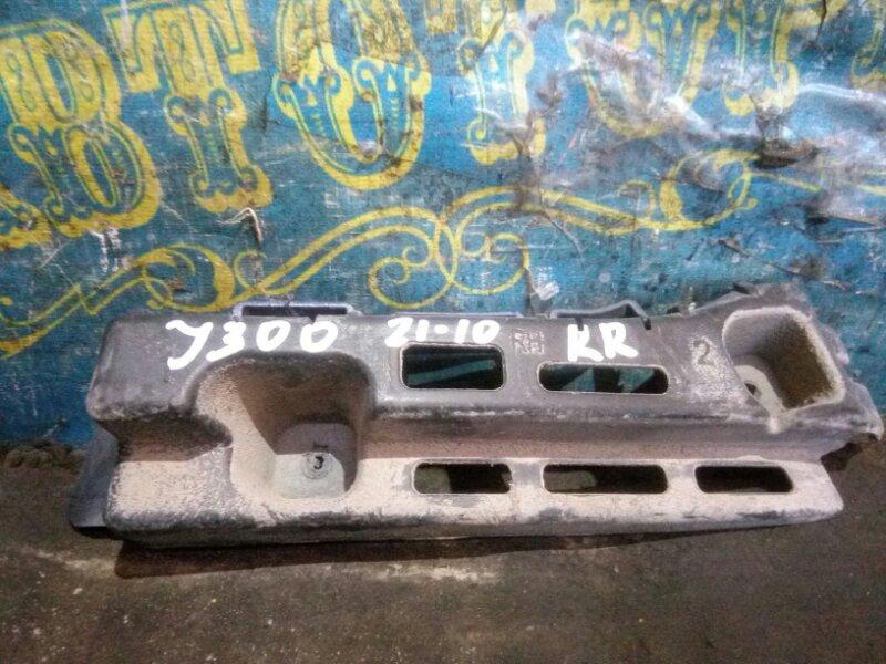 Крепление бампера Chevrolet Cruze J300 F18D4 2010 заднее правое