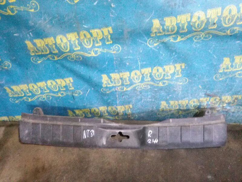 Накладка замка багажника Nissan Xtrail NT31 MR20 2008