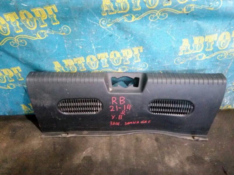 Накладка замка багажника Hyundai Solaris RB G4FC 2012
