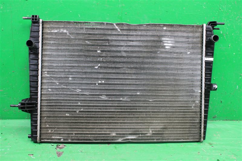 Радиатор охлаждения Renault Megane 3 2008 (б/у)
