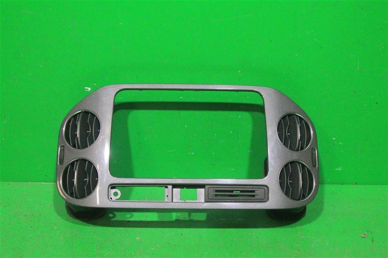Накладка консоли Volkswagen Tiguan 2007 (б/у)