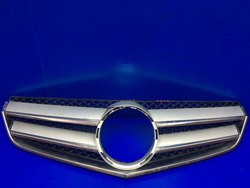 Решетка радиатора Mercedes E Coupe C207 2009 (б/у)