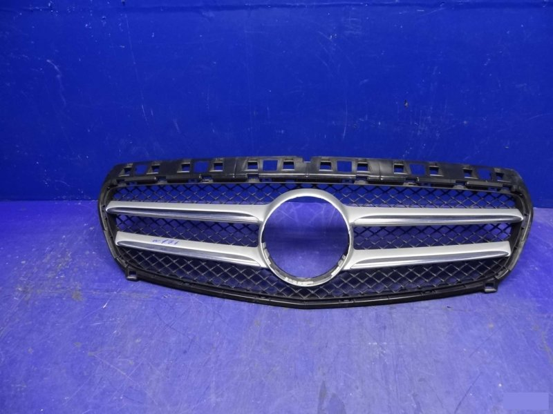 Решетка радиатора Mercedes А W176 2012 – н.в. (б/у)