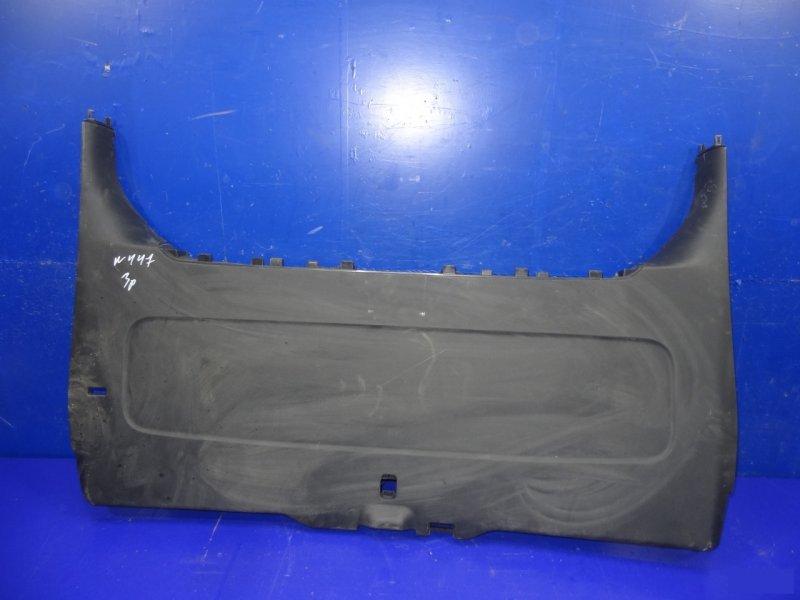 Накладка замка багажника Mercedes V W447 2014 задняя (б/у)