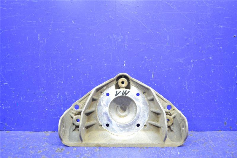 Кронштейн амортизатора Porsche Cayenne 955 2007 верхний (б/у)