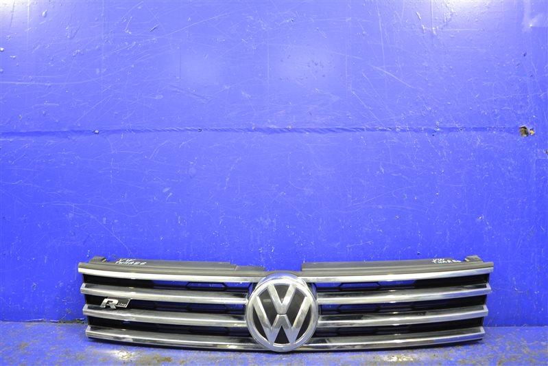 Решетка радиатора r-line Volkswagen Touareg 2 FL 2014 (б/у)