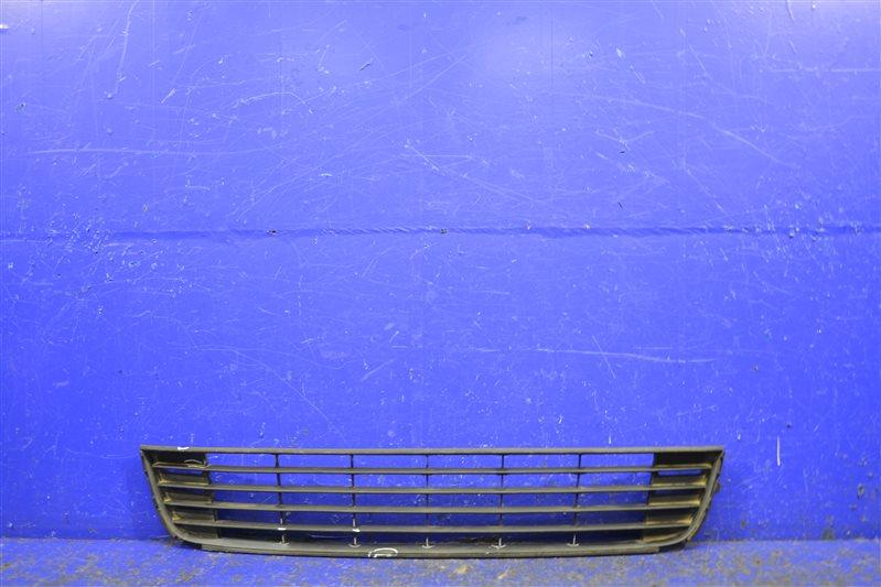 Решетка бампера Volkswagen Caddy 3 2010 передняя нижняя (б/у)