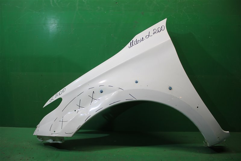 Крыло Mitsubishi L200 5 2015 переднее левое (б/у)