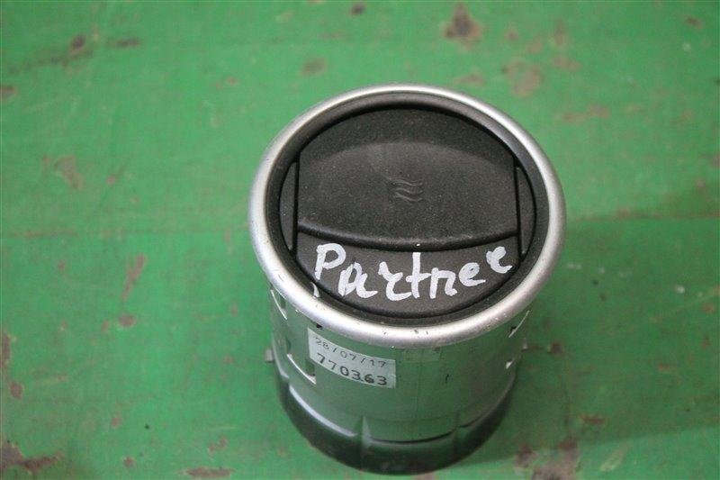 Дефлектор воздушный Peugeot Partner B9 2008 (б/у)