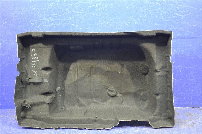 Обшивка ниши багажника Mercedes E W213 2016 (б/у)