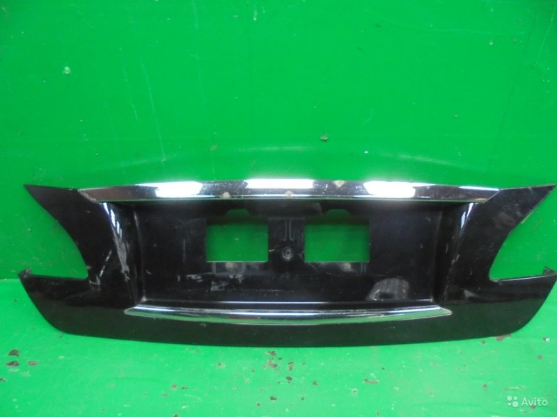 Накладка крышки багажника Infiniti M Y51 2010 (б/у)