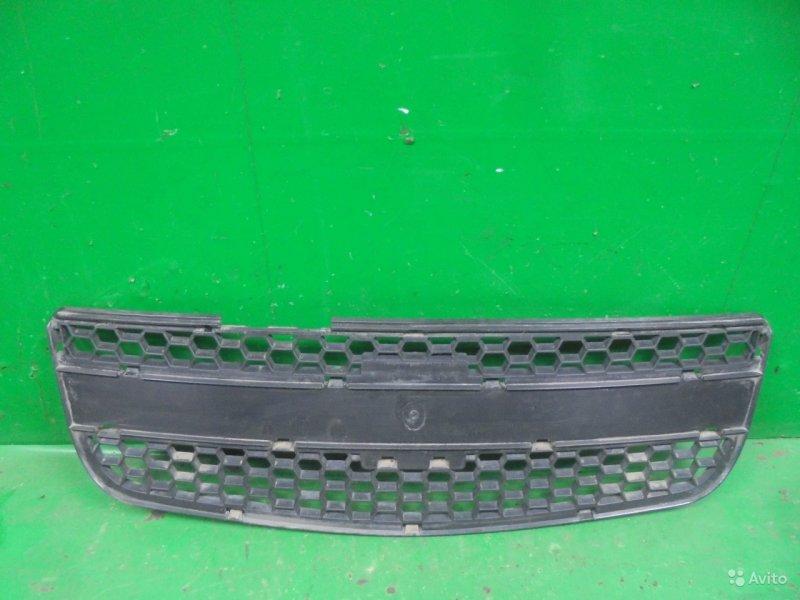 Решетка радиатора Chevrolet Niva 2 2009 (б/у)