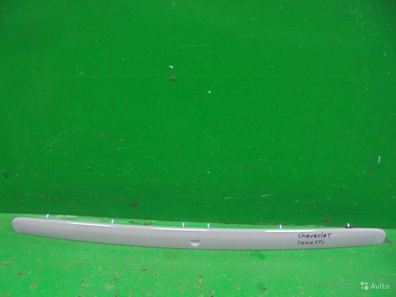 Накладка крышки багажника Chevrolet Lacetti 2004 (б/у)