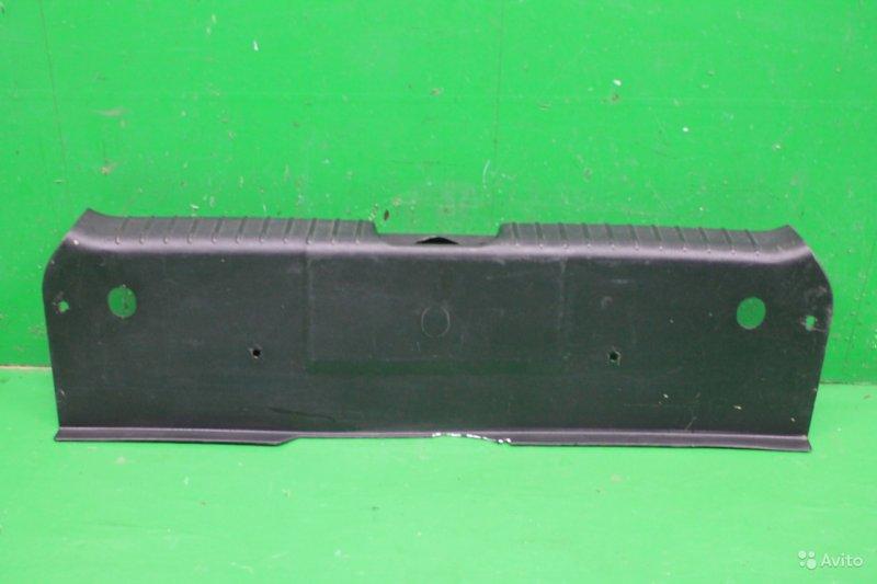 Накладка замка багажника Chevrolet Aveo T200 2003 (б/у)