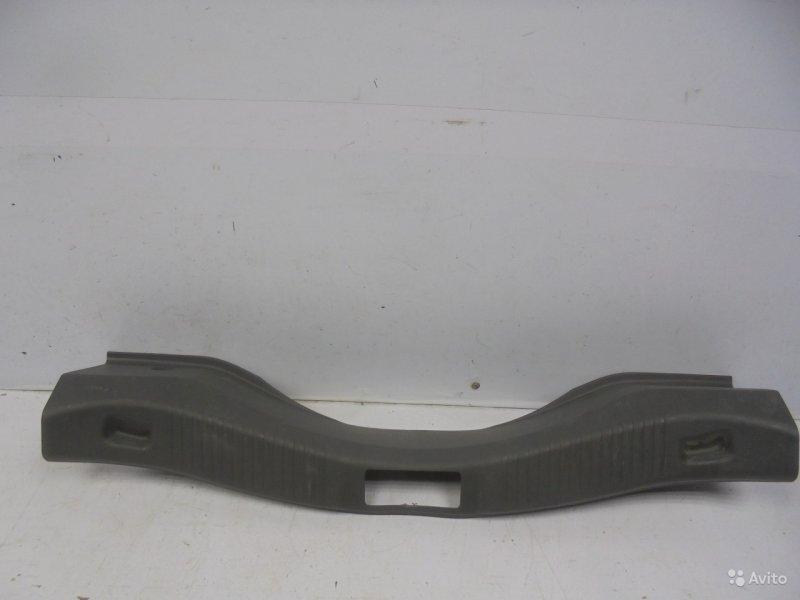 Накладка замка багажника Ford Fusion 2005 (б/у)