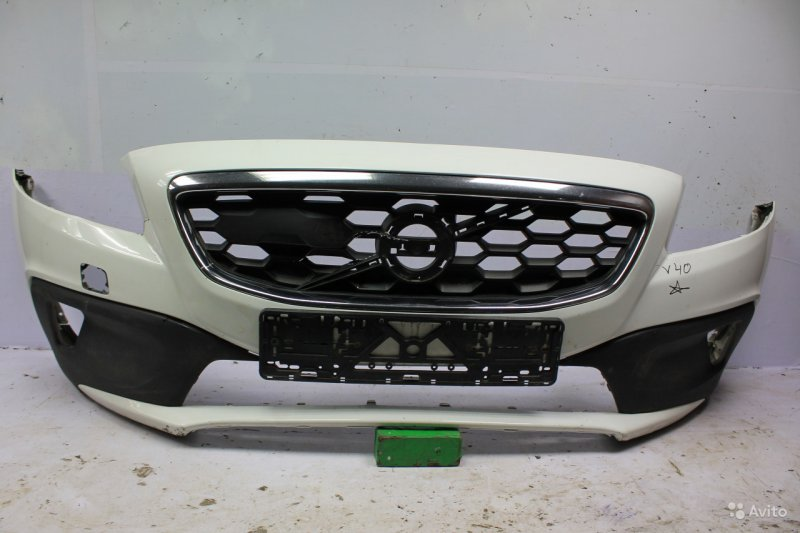 Бампер Volvo V40 Cross Country 2012 передний (б/у)