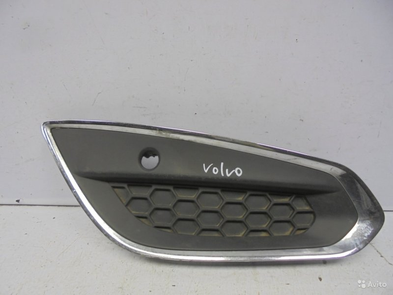 Накладка птф Volvo S60 2 2010 правая (б/у)