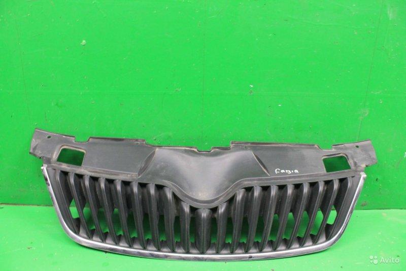Решетка радиатора Skoda Fabia 2 РЕСТАЙЛИНГ 2010 (б/у)