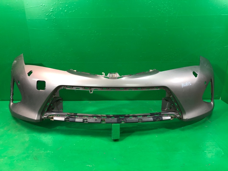 Бампер Toyota Auris 2 2012 передний (б/у)
