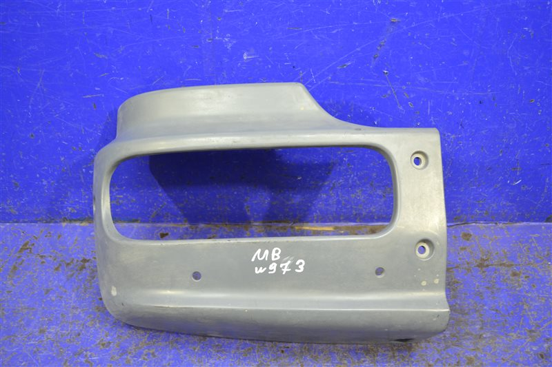 Бампер Mercedes Atego 2004 передний правый (б/у)