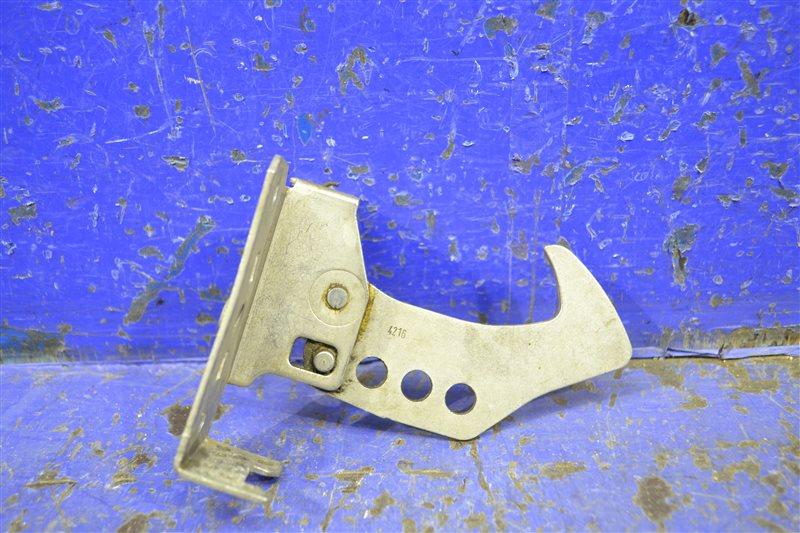 Крюк капота Bmw X3 F25 2010 правый верхний (б/у)