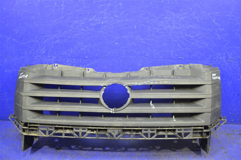 Решетка радиатора Volkswagen Crafter 2011 (б/у)