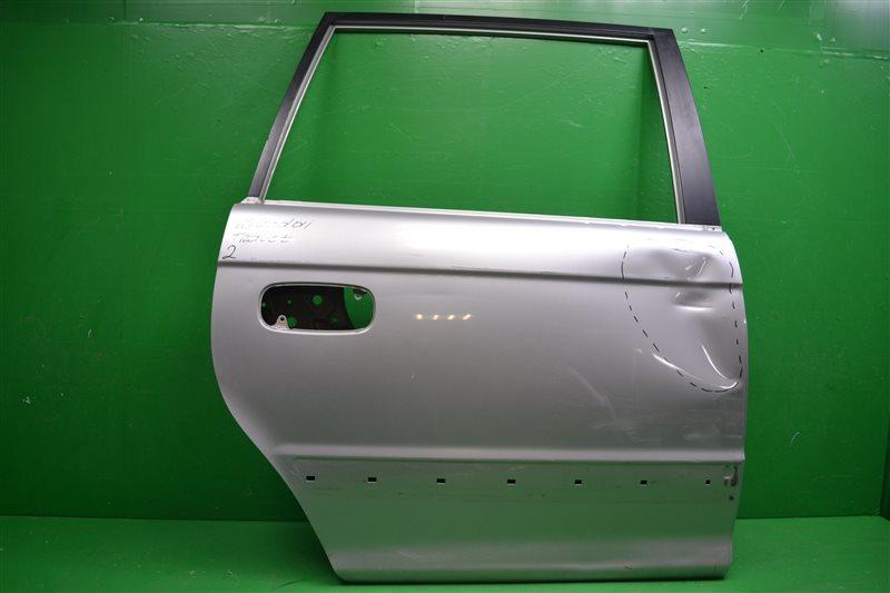 Дверь Hyundai Trajet 1999 задняя правая (б/у)