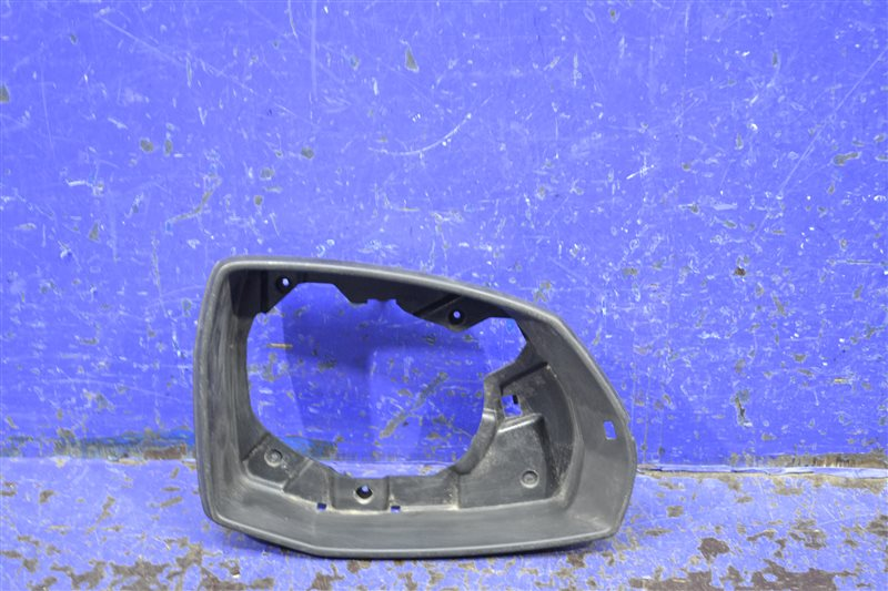 Рамка зеркала Audi Q7 4M 2015 правая (б/у)