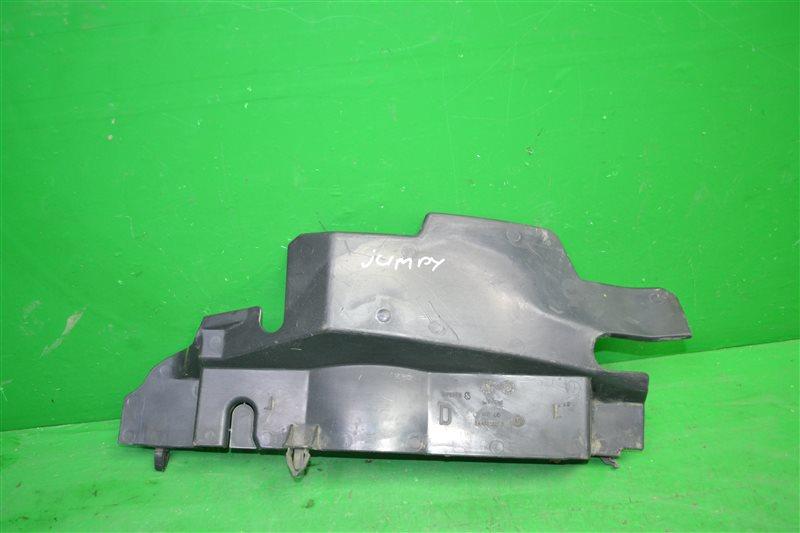 Дефлектор радиатора Fiat Scudo 2 2007 правый (б/у)