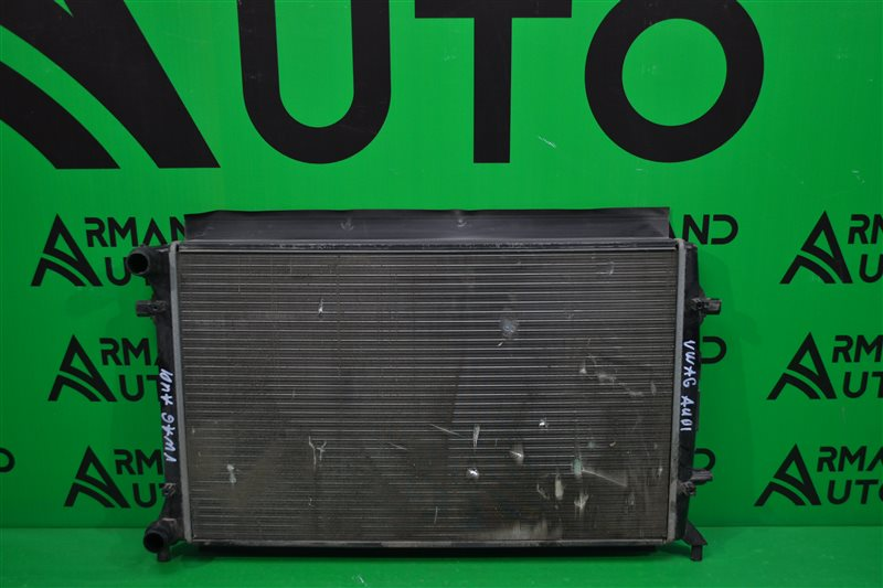 Радиатор охлаждения Volkswagen Jetta 6 2010 (б/у)