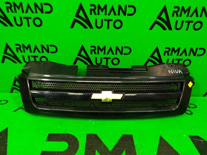Решетка радиатора Chevrolet Niva 2002 (б/у)