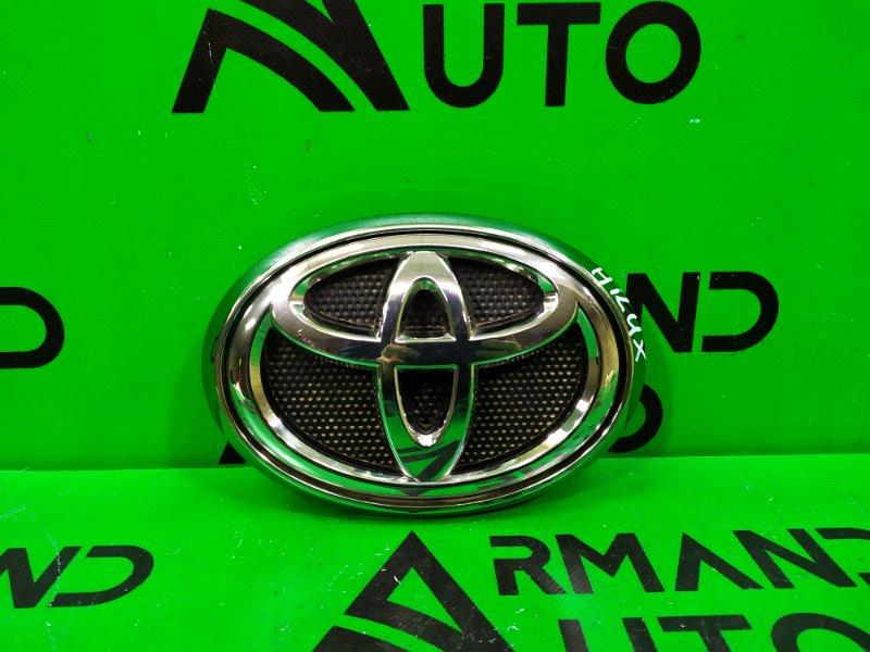 Эмблема Toyota Hilux 8 2015 (б/у)