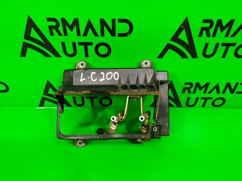 Диффузор радиатора Toyota Land Cruiser 200 2007 (б/у)
