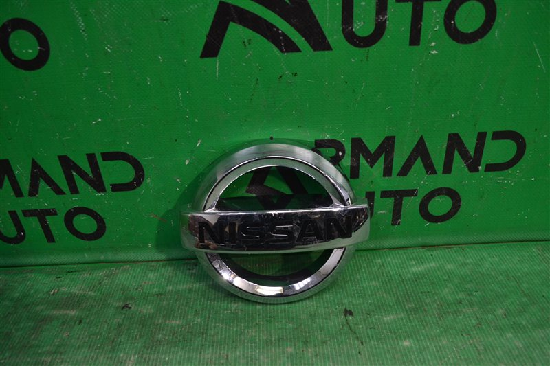 Эмблема Nissan Pathfinder R51 2004 (б/у)