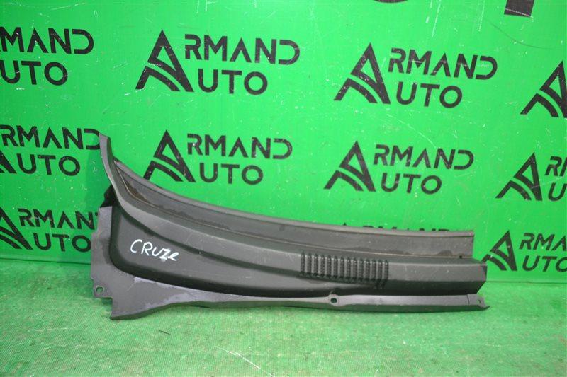 Жабо Chevrolet Cruze 2009 правое (б/у)