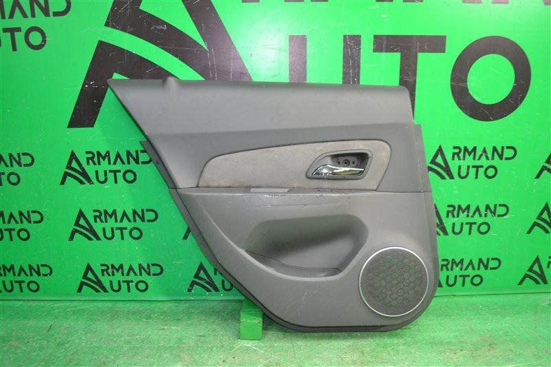 Обшивка двери Chevrolet Cruze 2009 задняя левая (б/у)