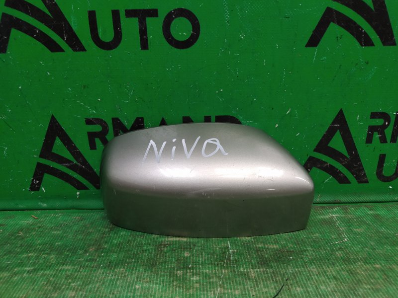 Зеркальный элемент Chevrolet Niva 2002 правый (б/у)