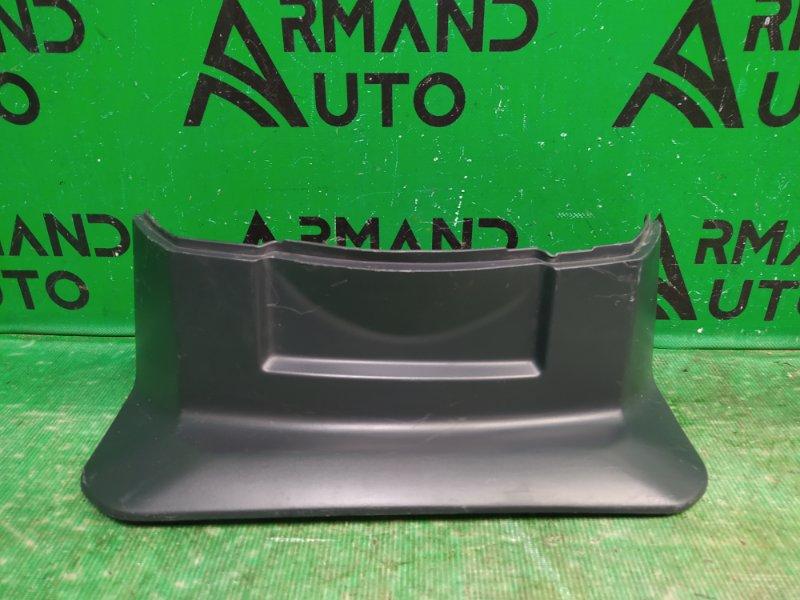 Накладка крышки багажника Mitsubishi Pajero 4 2006 правая (б/у)