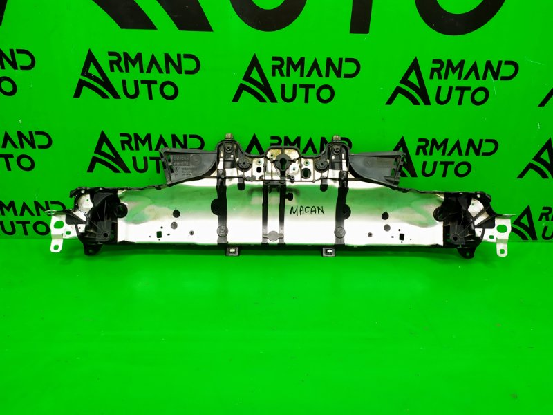 Панель передняя ( телевизор ) Porsche Macan 2014 верхний (б/у)
