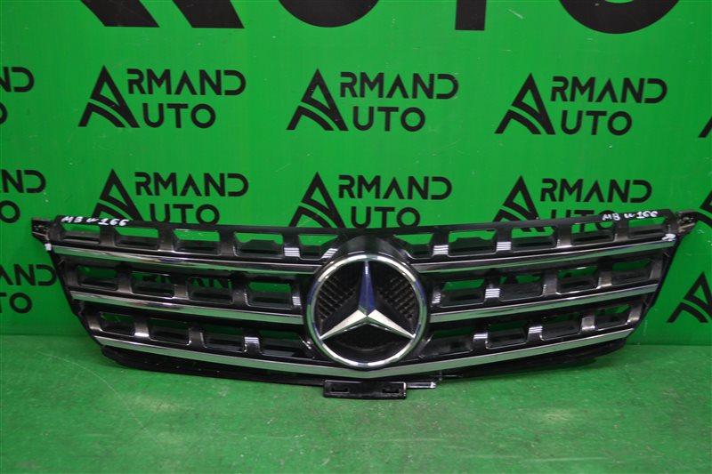 Решетка радиатора Mercedes Ml W166 2011 (б/у)