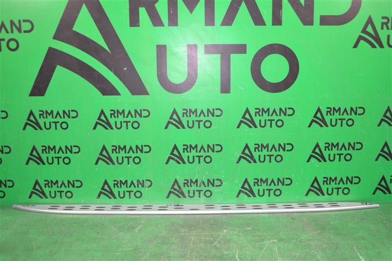 Накладка подножки Mercedes Ml W166  X166 2011 правая (б/у)